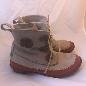 Sorel Joplin suede ankle boots